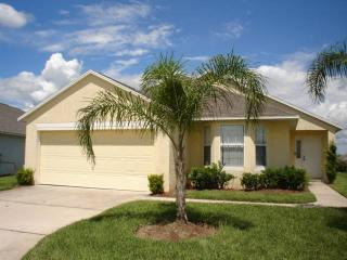 Beautiful 4BR house just off of the highway - MJD615, Davenport