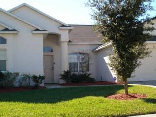 Private 5BR home near highway for easy park access - GR621E, Davenport