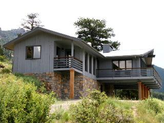 The Kintzle at Windcliff: Panoramic RMNP Views, 4 Bdrms, Close to YMCA, Wildlife, Estes Park