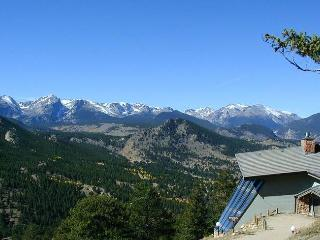 The Sponsel at Windcliff: Panoramic RMNP Views, 4 Bdrms, Hot Tub, Wildlife, Estes Park