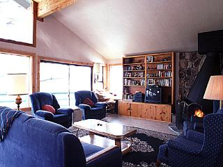 Perfect House in Incline Village (821J)