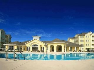 Great Island Retreat Condo with a Gym and Hot Tub, Kissimmee