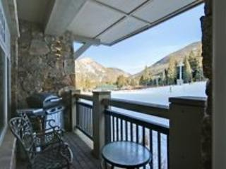 Your gorgeous private deck...Slope Side!