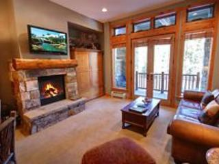 Your gorgeous slopeside vacation condo!