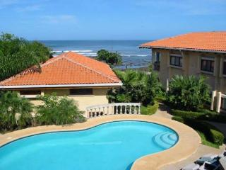 Cozy ground floor condo- shared pool, near beach, kitchen, a/c, cable - Tamarindo vacation rentals