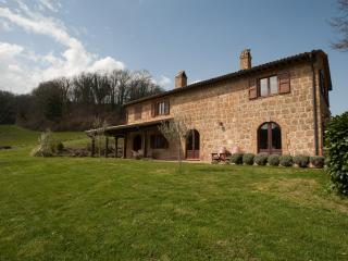 Country Farmhouse Surrounded by Tuscan Hills - Proceno - Bracciano