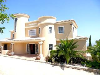 Villa Rental in Algarve, Loule - Casa Marim - Paris vacation rentals