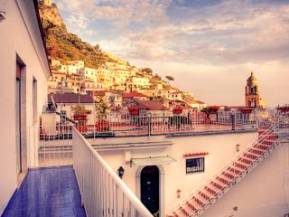 Central Amalfi Apartment Overlooking the Town - Ghita