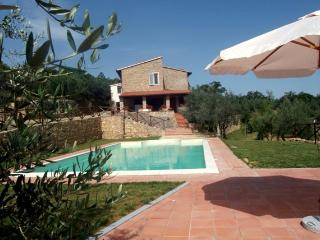 Tuscany Villa with Four Bedrooms all with En Suite Baths - Podere della Fraternita, Bucine