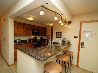 Super Condo with 2 Bedroom/2 Bathroom in Keystone (Pines 2165) - Keystone vacation rentals