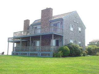 Nice House with 6 BR-4 BA in Nantucket (3518)