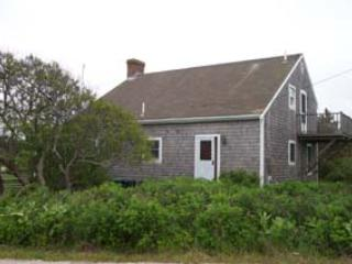 Charming House in Nantucket (3553)