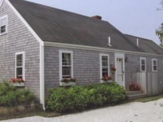 Ideal 3 BR-2 BA House in Nantucket (3733)