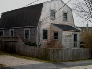 Charming 3 Bedroom & 2 Bathroom House in Nantucket (3826) - Nantucket vacation rentals