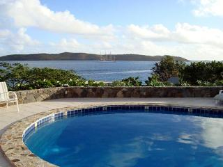 A 2-minute walk from beaches, restaurants and nightlife, this villa is situated above Clarke Rock in Leverick Bay. VG EUP, Virgem Gorda