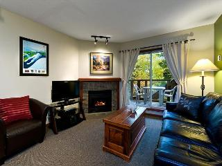 58 Glaciers Reach this 1br home has a hot tub & pool in Whistler Village