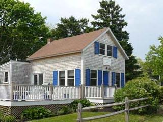 1526 - CHARMING COTTAGE-WALK TO TOWN & HARBOR! - Image 1 - Oak Bluffs - rentals