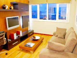ULTRA LUXURY 2 BED/ 2 BATH (AM11) 3 LCD TV'S & AMAZING CITY VIEWS!! - San Carlos de Bariloche vacation rentals