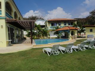 Villa Playa Maria - Tropical Beachfront Paradise, Rincon