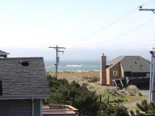 GENTLE BREEZE in Manzanita OR