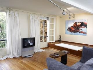 A Montmartre Romantic Studio Loft - 9th Arrondissement Opéra vacation rentals