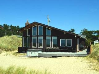 OCEAN BREEZE  in Manzanita OR