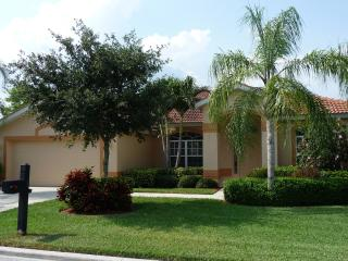 Colonial Pointe Villa in sunny Fort Myers