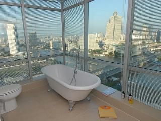 TheRiverSideBangkok - Orchid - Golden river view - Bangkok vacation rentals