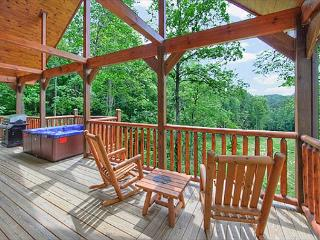 Romantic 2 bedroom with 2 master suites and 2 baths., Gatlinburg