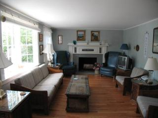 Large Home with wood floors, 4 BR, 2 Bath with 3 A/C's - HA0287, Harwich