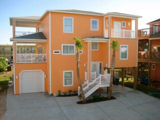 2 boardwalks, views, pool, steps from beach, 5 bdr, Port Aransas