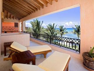 Villa Palmilla the elegance and good taste, blended with the beautiful ocean, Akumal