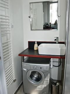 optional third bathroom...sink and washer
