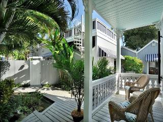 Family House - Stunning 'Old Town' Home - 1 Block To Duval - Private Hot Tub, Key West