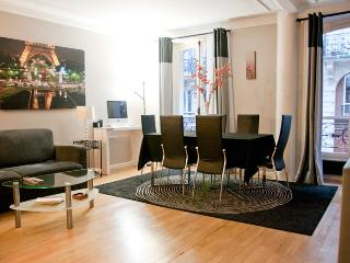 Luxurious 2 bedroom, sleeps 6 Paris 9th district - 9th Arrondissement Opéra vacation rentals