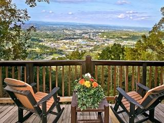 EAGLE'S VIEW! Amazing 100 Mile Mountain/City View, Sevierville