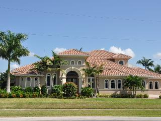 Cottage Ct - COTT430 - Gorgeous Waterfront Home!, Marco Island