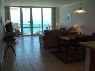 ~~The Pavilion: Directly on Beach, Beach Views~~, Miami Beach