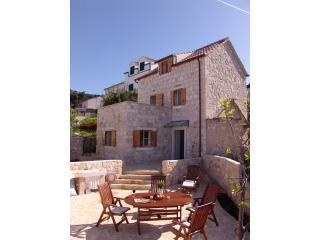 A beautiful traditional stone house with views!, Hvar