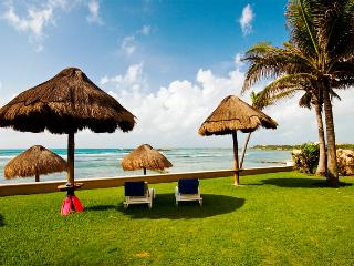 10 STEPS TO THE BEACH 5 TO THE POOL 7TH NIGHT FREE, Puerto Aventuras
