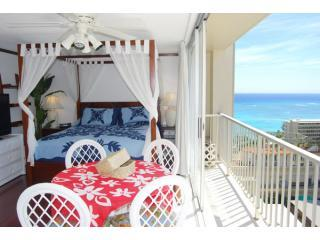 Ocean view studio - King size canopy bed