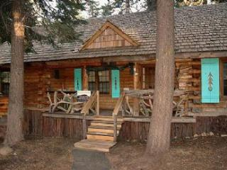 Lucky Tree Cabin *Well Behaved Dogs Welcome!*, Truckee