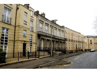 4*  Hopetoun Apartment, Edinburgh