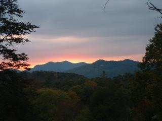 Mountain Magic      RATED 5***** STARS BY TripAdvi, Pigeon Forge