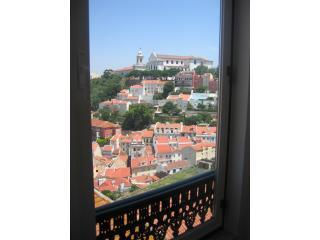 Apartment with stunning views FREE TRANSFER, Lisbon