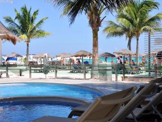MV202 - Spacious 2 Bed 2 Bath Near Mamitas Beach, Playa del Carmen