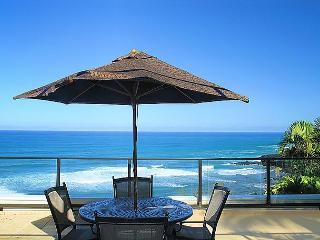 Puu Poa 214: Spacious 2br/2ba with 2000sf of oceanfront luxury, 2 lanais!, Princeville