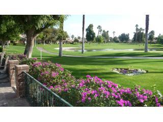 FABULOUS VIEWS/Ideal location on the golf course, Palm Desert
