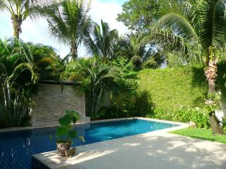 Chic totally private villa with large pool, Bang Tao Beach