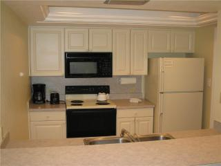 Welcoming 2BR on Gulf side with TV/DVD #211GS, Sarasota